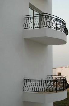 balcon sans fenêtre d'accès