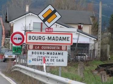 ville de bourg madame