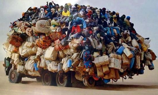 Bus africain bondé