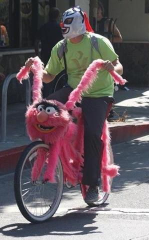 Un drole de vélo rose