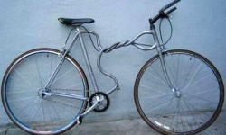 Un vélo tordu