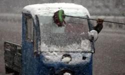 la neige arrive, changer vos essuie-glaces