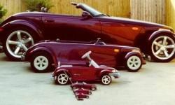 Les poupées russes avec des voitures