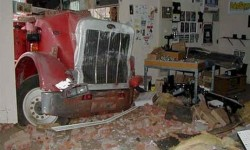 Salon ruiné par un camion
