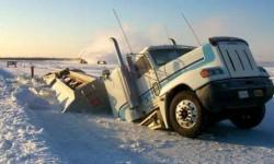 Camion qui coule dans la neige