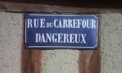 La rue du carrefour dangereux à Verneuil sur Avre