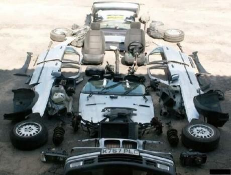 Un démontage complet d'une voiture