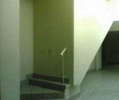 2-marches-dans-le-mur