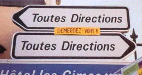 2 panneaux toutes directions, en sens opposés :/