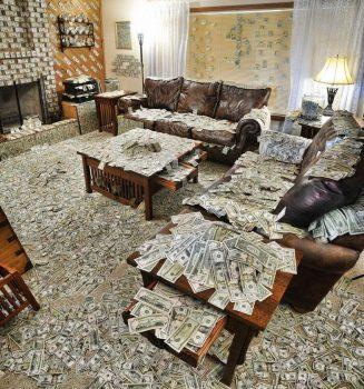 Plein d'argent dans la pièce !